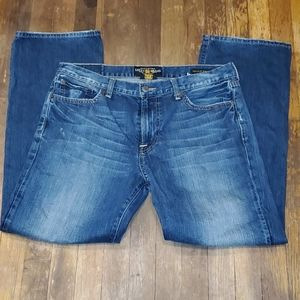 Men's lucky brand 33 x 30 vintage straight jeans